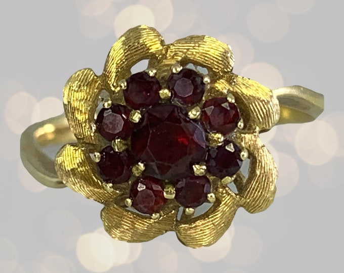 Garnet Flower Ring set in 18k Yellow Gold. Unique Engagement Ring. January Birthstone. 2 Year Anniversary. Estate Jewelry.