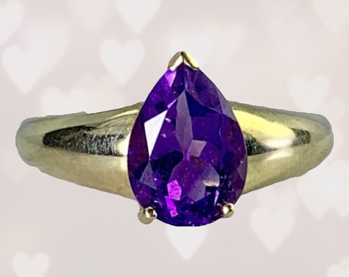 Vintage 1950s Amethyst Ring in a Yellow Gold Solitaire Setting. Unique Engagement Ring. February Birthstone. 6th Anniversary.