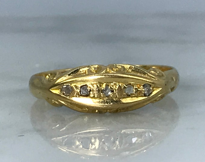 Antique Wedding Band. Diamond and Gold Wedding Band. 18K Yellow Gold. April Birthstone. 10th Anniversary Gift. Estate Jewelry. Stacking Ring