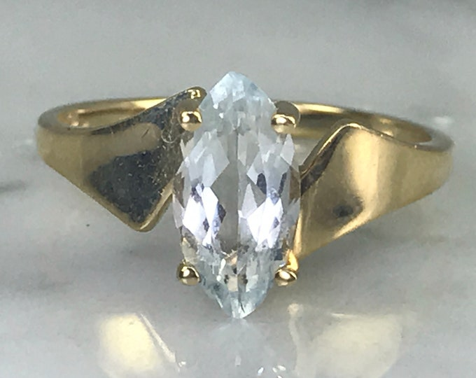 Vintage Aquamarine Ring. Modernist Setting. 10k Yellow Gold. Unique Engagement Ring. March Birthstone. 19th Anniversary. Estate Jewelry.