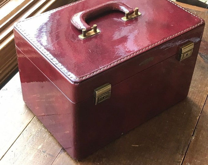 1950s Patent Leather Train Case by Saks Fifth Avenue. Mid Century Modern Cosmetic Carrier or Overnight Bag.