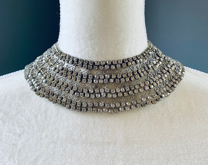 Vintage Rhinestone Silver Collar Necklace with 600 Rhinestones and Lace Filigree. Wedding Jewelry.