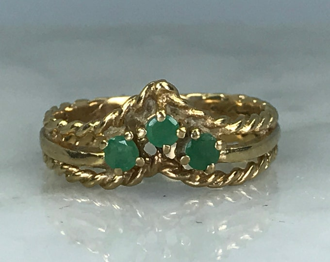 Emerald Wishbone Band. 9K Yellow Gold. Unique Engagement Ring. Wedding Band. Vintage Estate Jewelry. May Birthstone. 20th Anniversary
