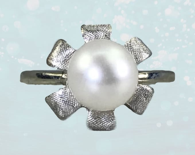 1940s Pearl Flower Ring in 10K White Gold. Art Nouveau Style June Birthstone. 4th Anniversary Gift. Estate Jewelry