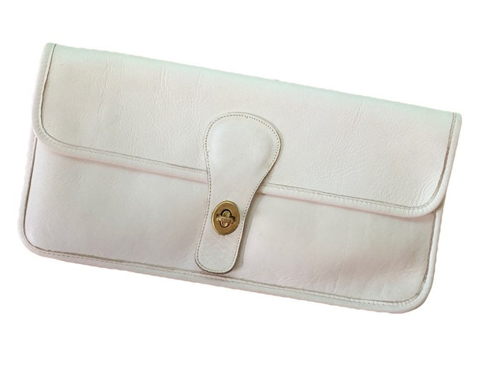 Off-white Leather Clutch Perfect for Fall. Envelope Style Soft Leather Bag. Circa 1970. Gift for Her.