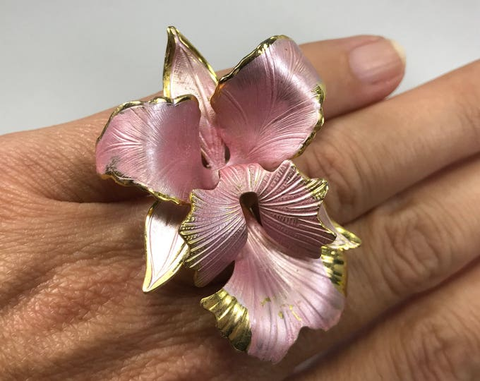 Upcycled Pink Flower Ring. Vintage Pink Hibiscus Ring. Upcycled Statement Ring. Repurposed Brooch Ring. Recycled Reused Reclaimed Ring