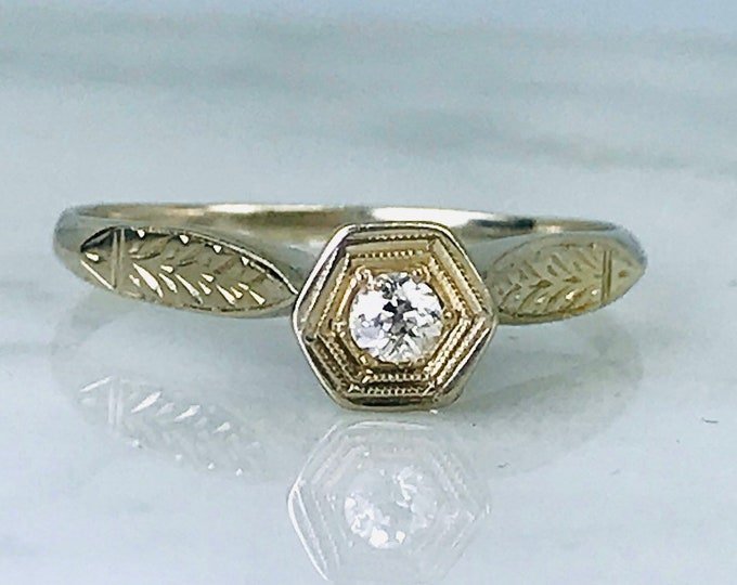 Vintage Diamond Engagement Ring. Art Deco 14K Gold Setting. Unique Engagement Ring. April Birthstone. 10 Year Anniversary Gift. Estate