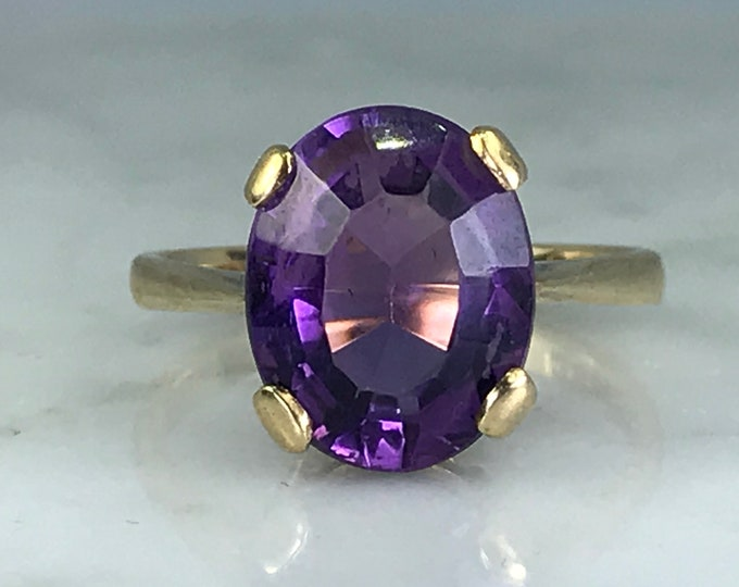 Amethyst Solitaire Ring. Yellow Gold. Unique Engagement Ring. February Birthstone. 6th Anniversary Gift. Estate Fine Jewelry. Vintage Ring.