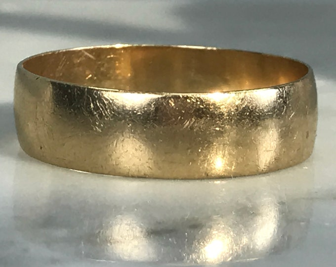 Vintage Gold Band. 9k Yellow Gold. Mens Wedding Band. Thumb Ring. Stacking Band. Estate Jewelry. Size 10. 1930s