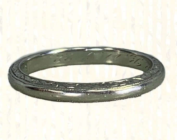 Antique 1920s Etched Wedding Band in 18k White Gold by Blue Bonne. Beautiful Art Deco Design Stacking Ring. Sustainable Estate Jewelry.
