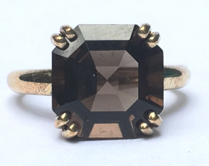 Vintage Smoky Quartz Ring. 2 Carat Smoky Quartz in 9K Yellow Gold. Unique Engagement Ring. Cocktail Ring. Estate Jewelry.  70th Anniversary.