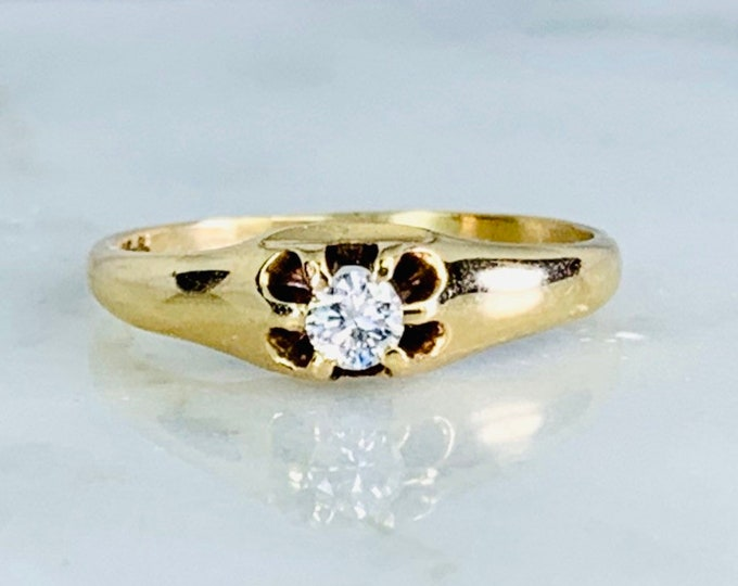 Vintage Diamond Engagement Ring. 14k Yellow Gold. Promise Ring. April Birthstone. 10 Year Anniversary. Estate Jewelry