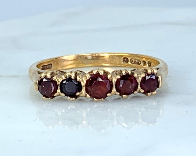 Vintage Garnet Band. Garnet Cluster Ring. 9k Yellow Gold. Unique Wedding  Band. January Birthstone. 2 Year Anniversary. Estate Jewelry