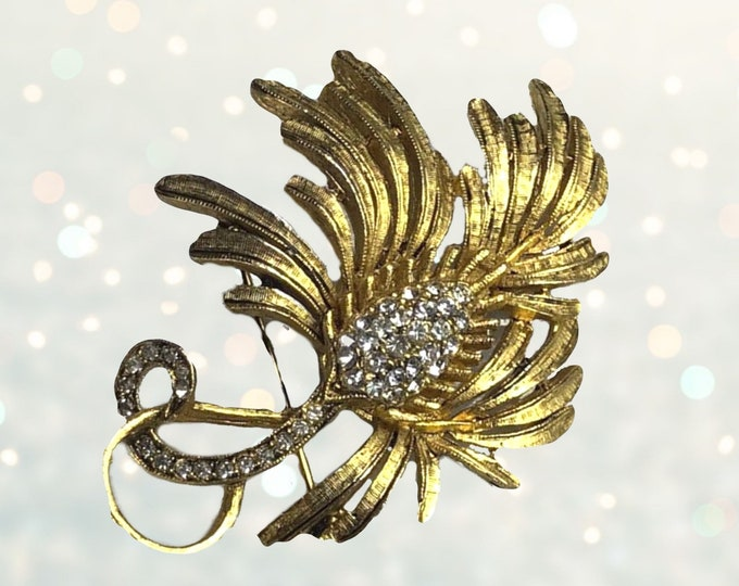 Vintage Rhinestone Leaf Brooch. Gold Tone Palm Leaf Lapel Pin. Repurpose into a Necklace or Bracelet. Sustainable Fashion Accessory.