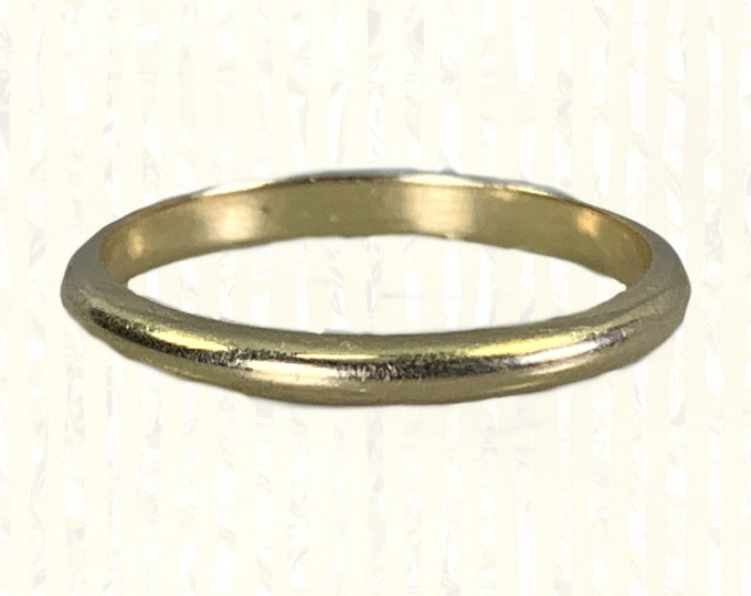 Vintage 1950s Gold Wedding Band by Keepsake in 14K Solid Yellow Gold. Perfect Stacking Ring. Sustainable Estate Fine Jewelry.