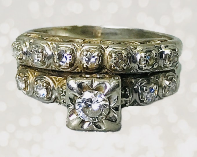 1920s Art Deco Diamond Engagement Ring and Wedding Band Bridal Set in a 14K White Gold Setting. Estate Fine Jewelry.