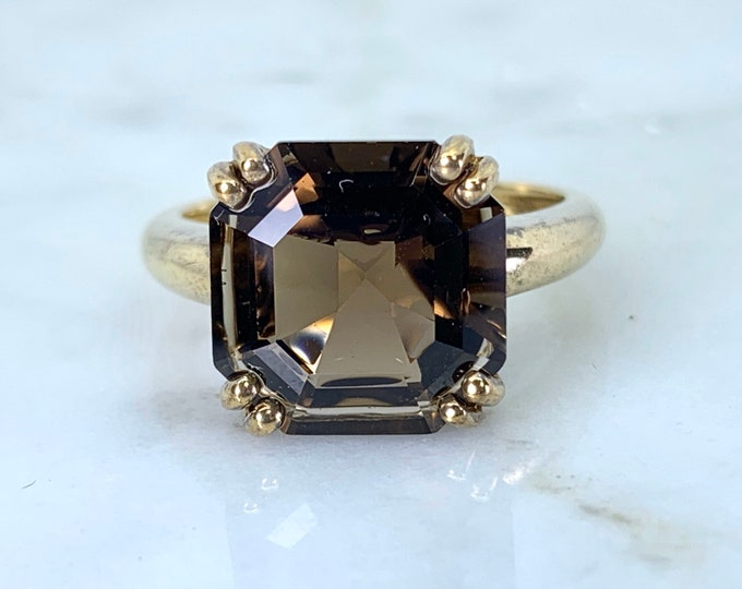 Vintage Smoky Quartz Ring set in 9K Yellow Gold. Unique Engagement Ring. Cocktail Ring. Estate Jewelry.  70th Anniversary.