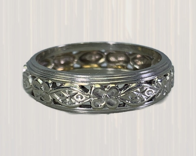 Vintage 1930s Ornate Wedding Ring in 14k White Gold with a Stunning Floral Cut Out Pattern. Perfect Stacking Band.