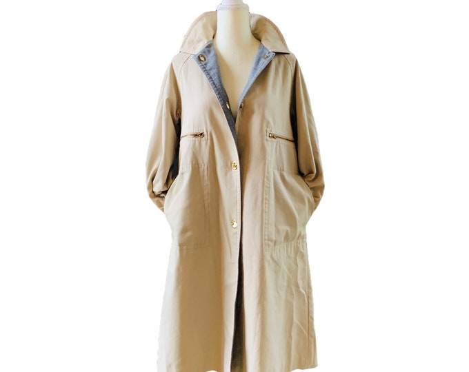 Vintage Khaki Trench Coat by Bonnie Cashin with Gray Wool Lining. Vintage Fashion