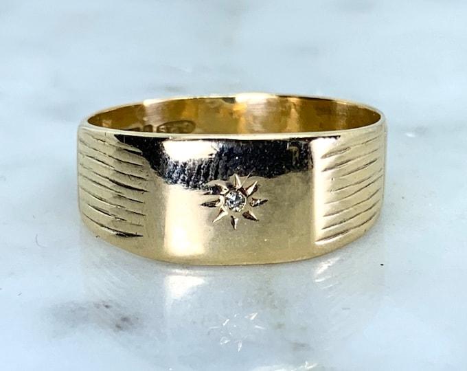 Diamond and Gold Wedding Band or Thumb Ring in 9k Yellow Gold. Estate Jewelry. Circa 1969. Size 5. Full European Hallmark.