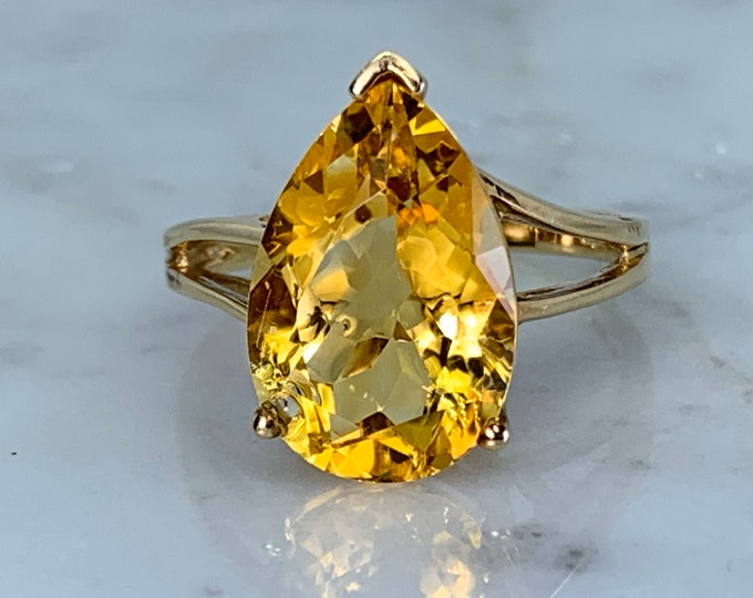 Vintage Citrine Ring. 10K Yellow Gold Setting. Estate Fine Jewelry. Unique Engagement Ring. November Birthstone. 13th Anniversary Gift.