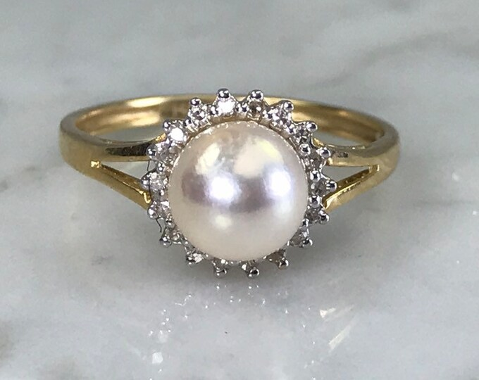 Vintage Pearl Ring. Diamond Halo. 14K Yellow Gold. June Birthstone. 4th Anniversary Gift. Unique Engagement Ring.
