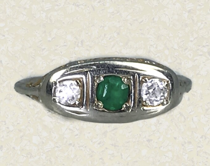 1920s Art Deco Emerald and Diamond Ring in a 18K White Gold Setting. Would Make A Unique Engagement or Promise Ring. Estate Jewelry.