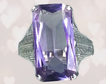 Antique Art Deco Amethyst Ring in 14K Gold Filigree Setting. Engagement Ring. February Birthstone. Sustainable Estate Jewelry Circa 1920s.