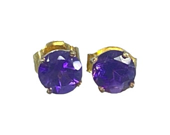 Vintage Amethyst Petite Round Earrings set in 14K Gold. February Birthstone. 6th Anniversary. Perfect for a Purple Wedding Jewelry.