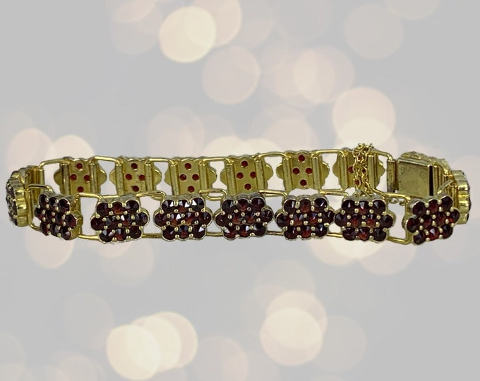 Vintage 1940s Garnet Bracelet in a Yellow Gold Setting with 17+ Carat Total Weight. January Birthstone. 2 Year Anniversary Gift.