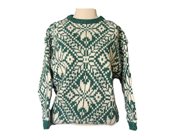 Vintage Green Fair Isle Sweater by United Colors of Benetton. Trending Fall Fashion. 1980s Sustainable Women's Clothing. Ski Slope Style.