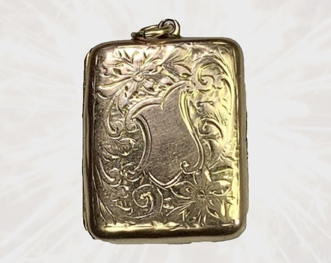 Vintage Yellow Gold Floral Picture Locket. Photo Pendants make Wonderful Heirloom Gifts. Perfect for a Secret Message to a Bride. 1930s