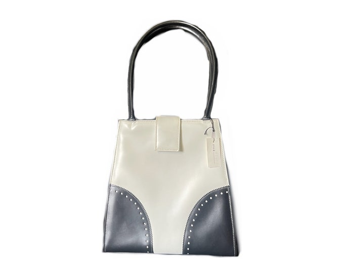 Vintage Black and White Leather Handbag by Saks Fifth Avenue. 1950s Sustainable Fashion Accessories. Perfect Gift for a Fashion Lover.
