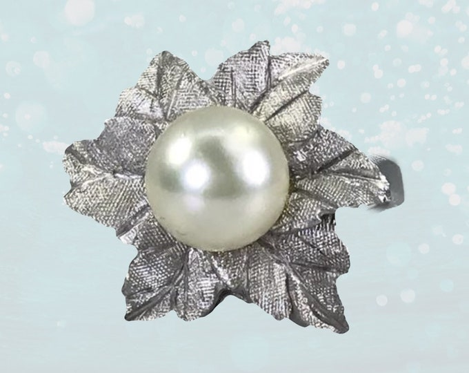Vintage Art Nouveau Pearl Flower Ring in 14K White Gold. June Birthstone. 4th Anniversary. Engagement Ring. Estate Jewelry Circa 1940s