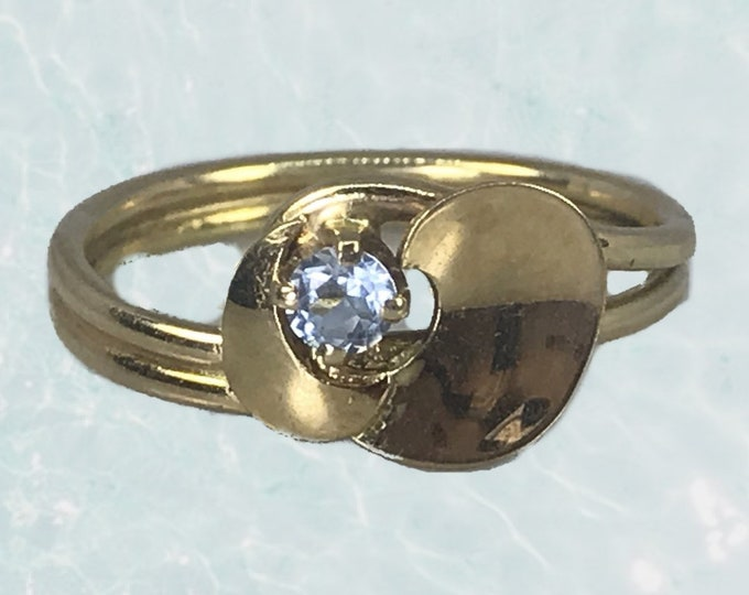 1960s Aquamarine Ring in a 14k Yellow Gold Modernist Setting. Unique Engagement Ring. March Birthstone. Sustainable Estate Jewelry.