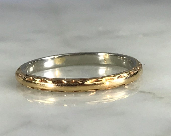 Antique Wedding Band in 18k White and Yellow Gold. Stacking Ring with Art Deco Etching. 1920s Sustainable Estate Jewelry.