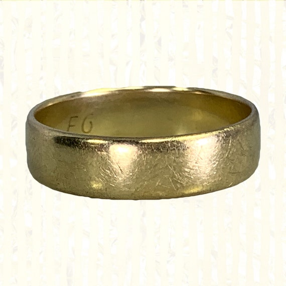 Vintage 1970s Men's Gold Wedding Band in Yellow Go