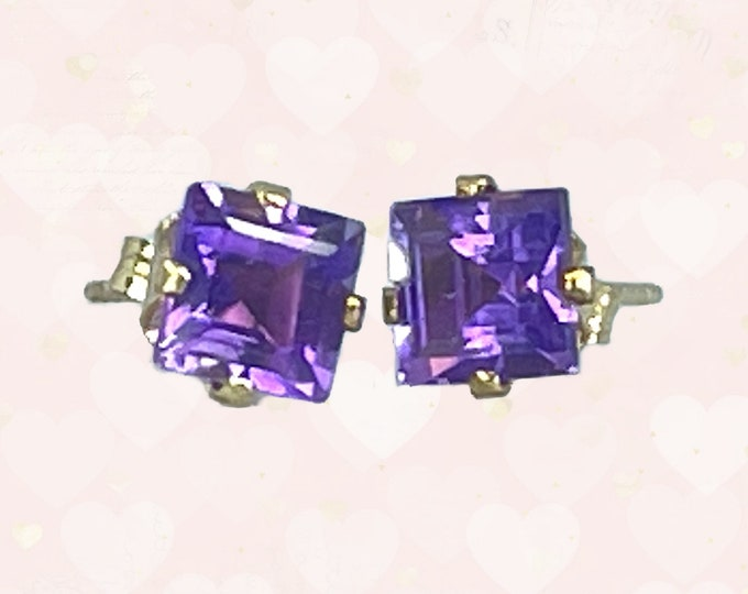 Vintage Amethyst Square Earrings set in 14K Gold. February Birthstone. 1970s Sustainable Estate Jewelry. Purple Wedding Jewelry.