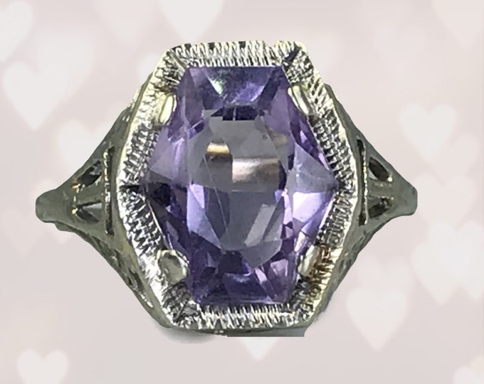 Antique 1920s Art Nouveau Amethyst Ring in a 10K White Gold Filigree Setting. Unique Engagement Ring. February Birthstone. Estate Jewelry.