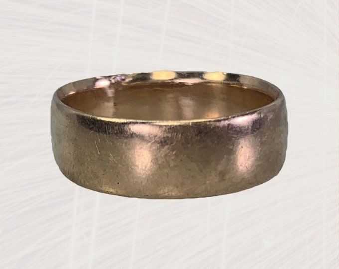 Antique Gold Wedding Band in Rose Gold. Perfect Sentimental Wedding or Stacking Ring. 1900s English Estate Jewelry.