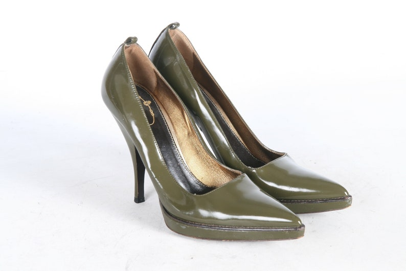 b228848e5a2 Prada PATENT Leather Olive Green 90s Pointy Toe Heels Eu 39.5 Au 9 Made In  ITALY Patent Vintage Stiletto Pumps 90s Shoes
