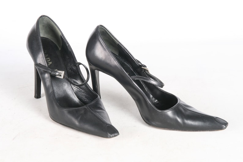 e5f1d9cda85 Prada Black 90s Heels EU 39 AU 8.5 Made In ITALY Pointy Toe