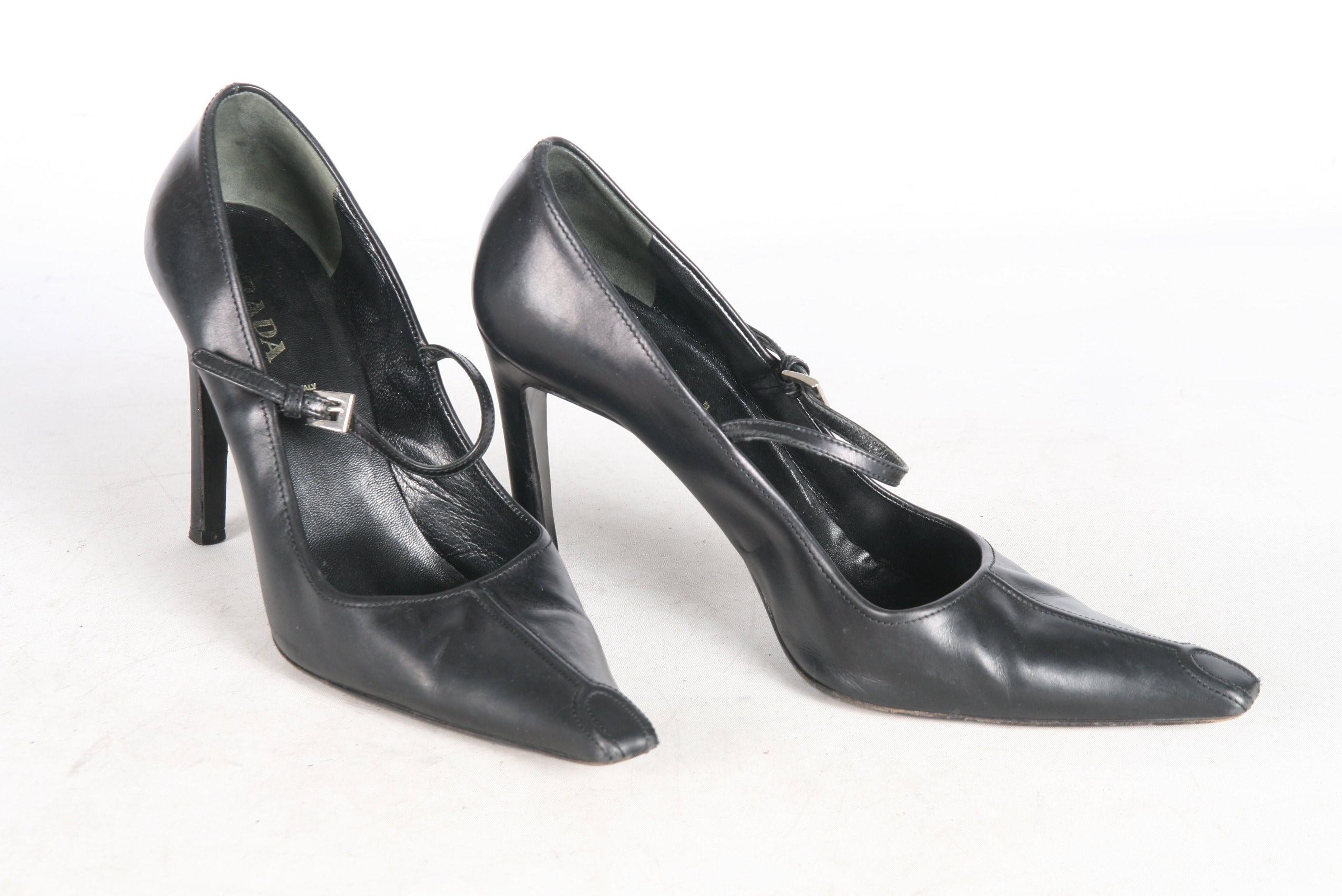 9e2b75d769f95 Prada Black 90s Heels EU 39 AU 8.5 Made In ITALY Pointy Toe Soft Leather  Vintage Stiletto Pumps 90s Mary Janes Shoes