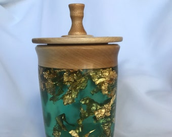 Lidded stash box, keep your 420 meds or tea, or what ever you like.