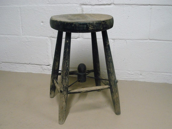 Miraculous Vintage Wood Milking Stool Primitive Rustic Country Shop Retro Kitchen Bar Step Chair Old Antique Round Wooden Seat Farmhouse Black Paint Pabps2019 Chair Design Images Pabps2019Com