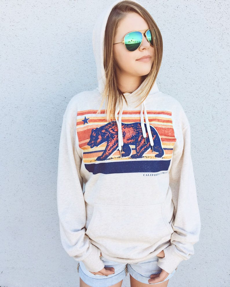 Sunset Bear State Flag Republic Star Pullover Women/'s Beige Hoodie with Thumbholes Made in California by California Limited