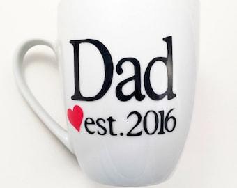 Dad 2018 coffee mug - dad established - fathers day - gifts for dad - custom coffee mugs - cute coffee mugs - pregnancy reveal - dad