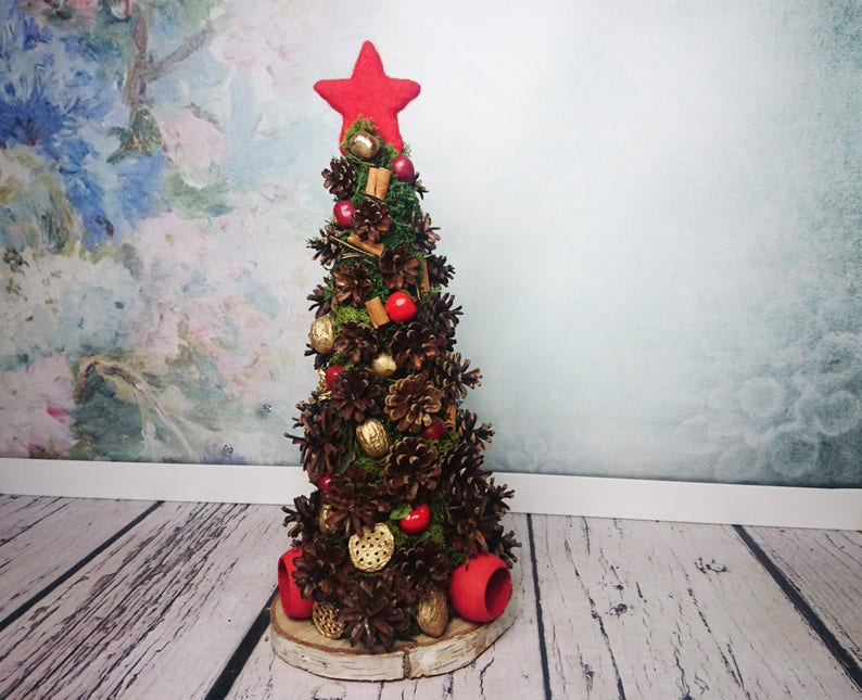 Red Green Gold Natural Christmas Tree With Pine Cones Moss Nuts Cinnamon Fake Apples Decoration Rustic Table Decor Lights Original Felt Star