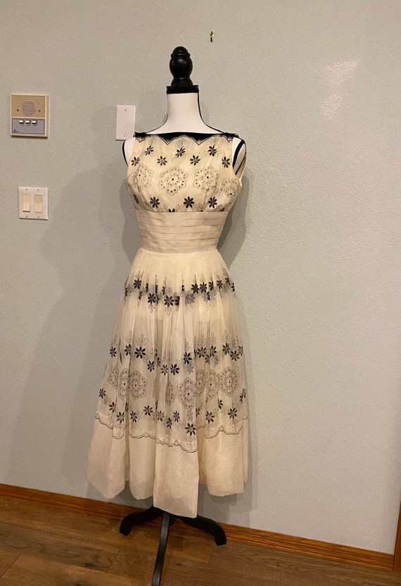 Vintage 50s evening dress, Naturally Natlynn flock