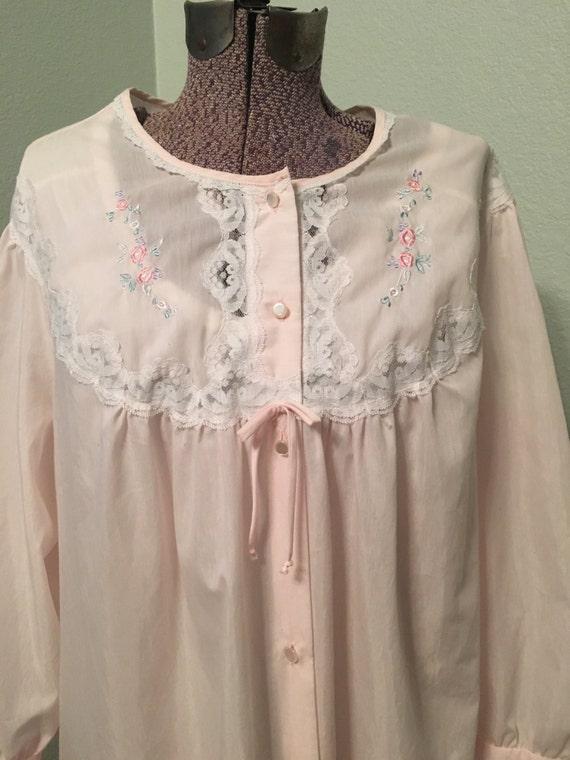Vintage Barbizon lightweight robe, pink full lengt